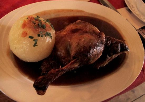 Asam Schlössl: duck with potato dumpling