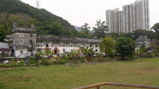 Tsang Tai Uk(9)