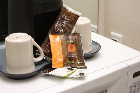 GrandStay Hotel & Suites Appleton-Fox River Mall: In Room Coffee