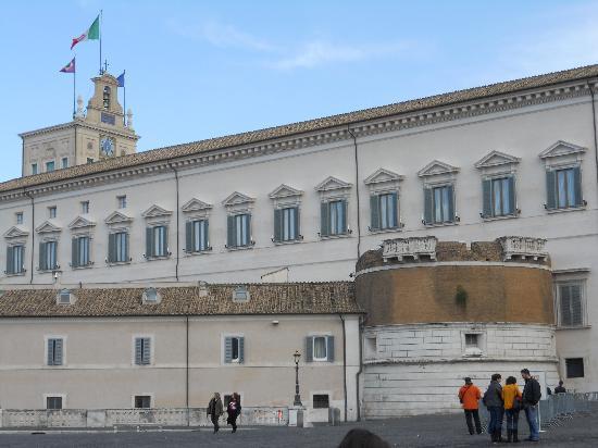 Esterno del quirinale foto di palazzo del quirinale - Pilozzo da esterno ...