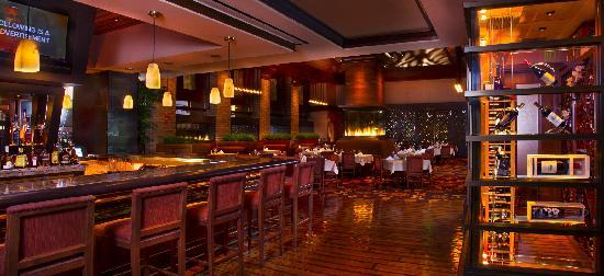 Woodfire Grille at Diamond Jo Casino: The Wine Bar at Woodfire Grille