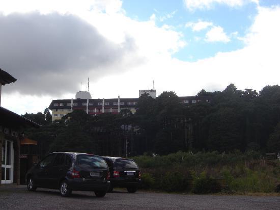 Hotel Continental Canela: Vista da rua!