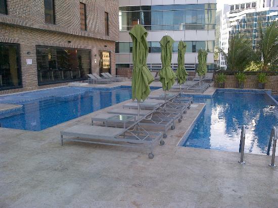 Renaissance Caracas La Castellana Hotel: piscina