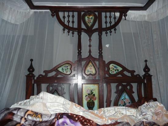 Chavda Hotel Ltd: room