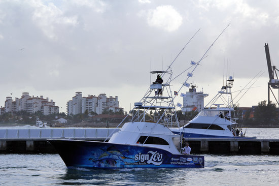 Deep sea fishing Miami - Jumanji