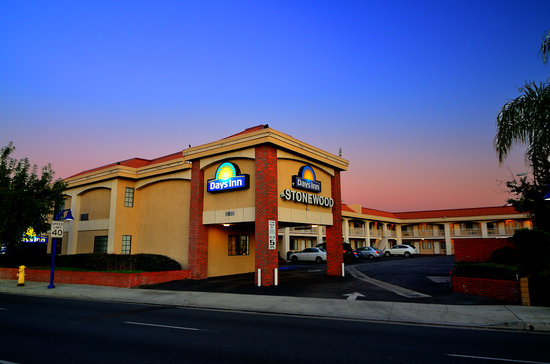 Days Inn Downey: Days Inn Stonewood Hotel