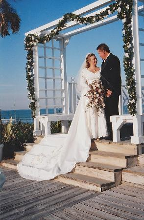 Windemere Inn by the Sea: Island Nuptials Oceanfront