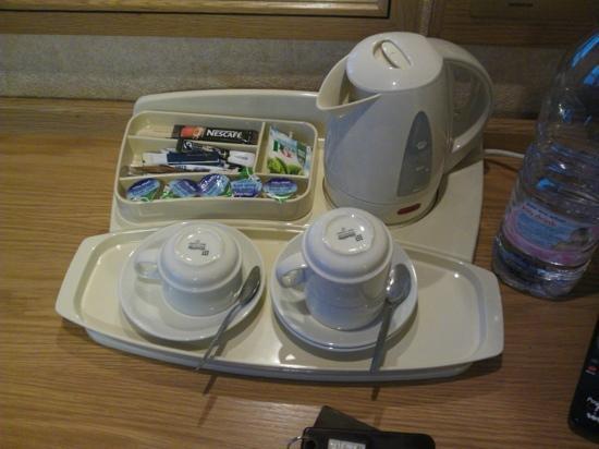 Montana Hotel: чайный набор в каждом номере