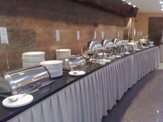 Greenfield Hotel Golf & Spa: Buffet