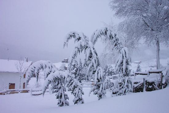 Nieve en invierno, Ellauri Hotela