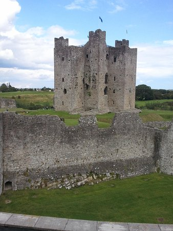 Trim Castle Hotel: View from bridal suite