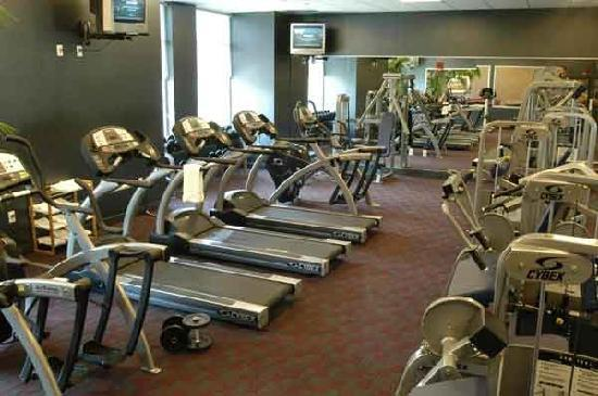 Broadway Residences and Suites: A fitness center