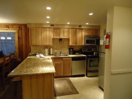 Destinations West at Beaver Village Condominiums: Kitchen