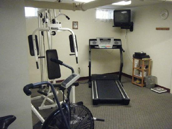 Westborough Inn: Exercise Room