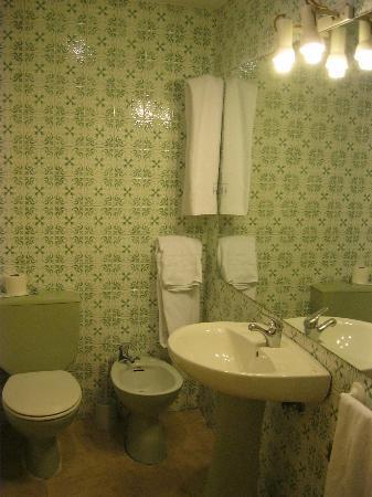 Aparthotel Tribunal: bagno