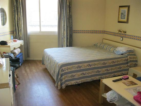 Aparthotel Tribunal: camera con luce