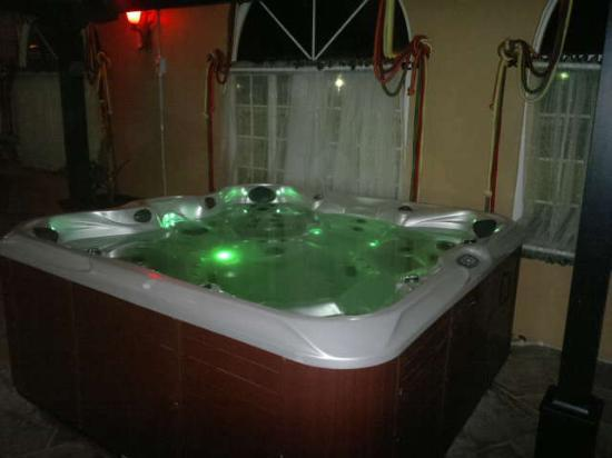 Queens Beach Resort: in door Jaccuzi