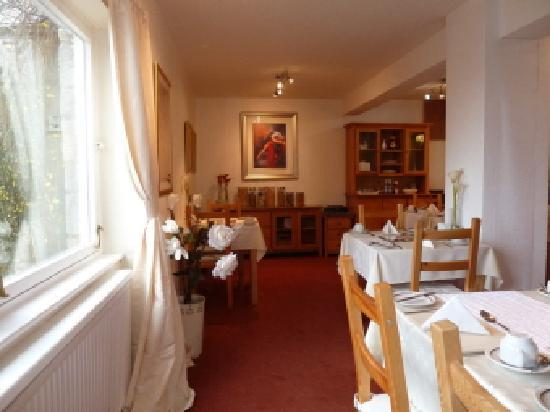 Castlecroft: Breakfast room