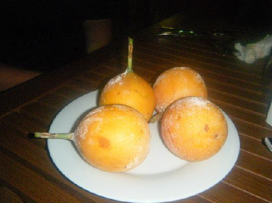 Estelar Playa Manzanillo: If you see this fruit - it is strange but delish!