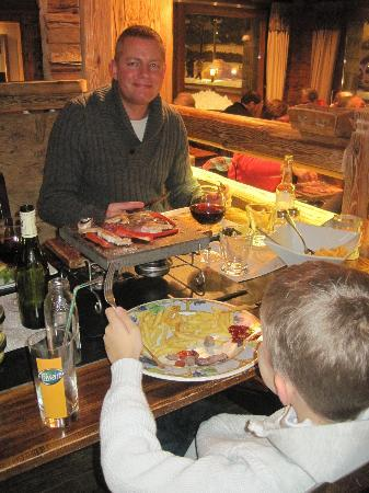 La Chaudanne: 'Hot Rocks' - such an enjoyable way of preparing / eating dinner!