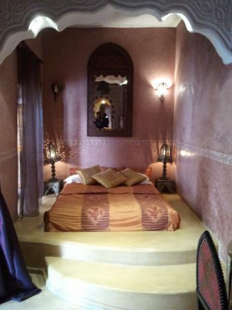 Riad Lorsya: The Bed