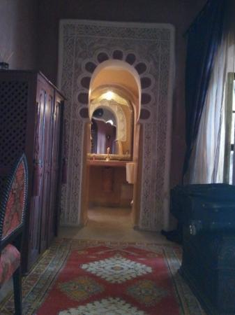 Riad Lorsya: Looking toward bathroom from the bed