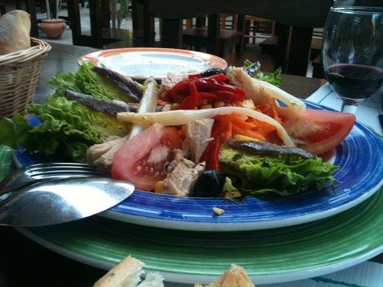 Tacoronte, Spain: ensalada de cogollos con bonito y anchoas