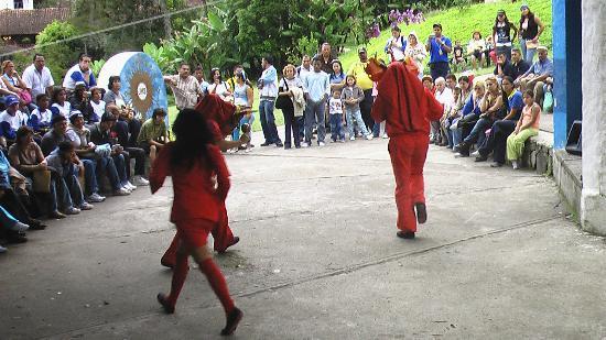 La Gran Sabana: Los diablos del Yare. Baile típico de un pueblo