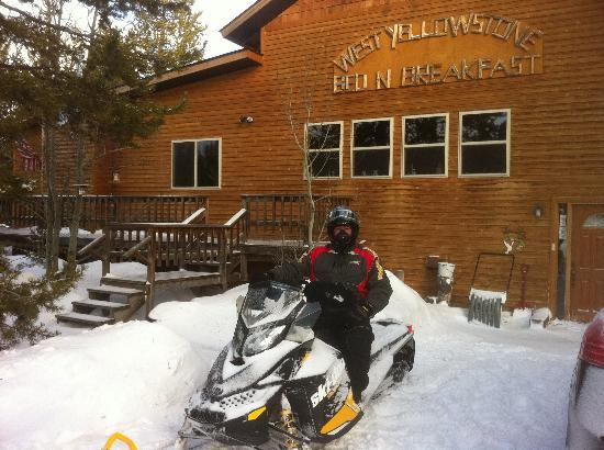 West Yellowstone B & B : out in front of the B&B