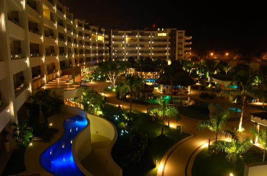 Marival Residences Luxury Resort: A beautiful night scene.
