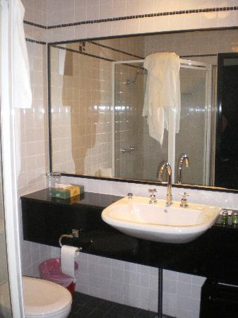 Park8 Hotel Sydney - by 8Hotels: Bathroom