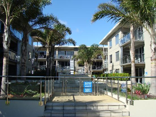 Edgewater Palms Apartments: Entrance to the apartments