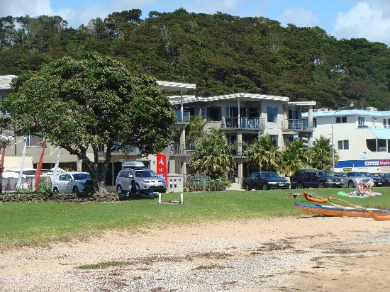 Ramada Suites Paihia: Looking back to the apartments