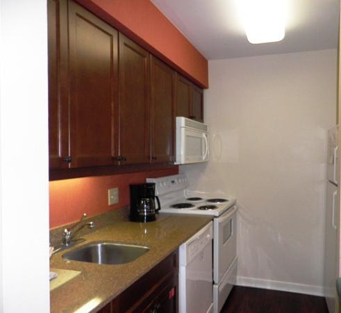 Residence Inn Herndon Reston : The kitchen
