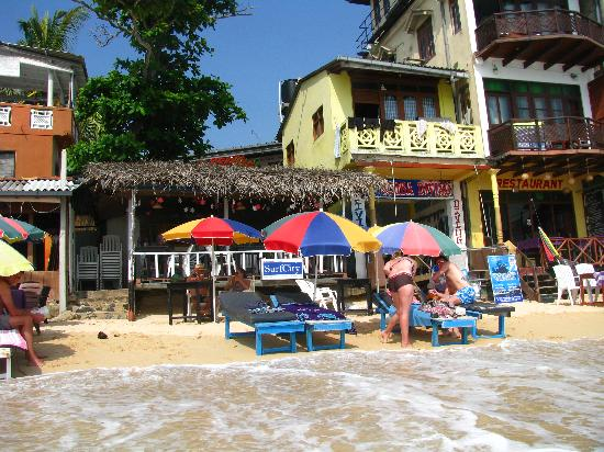 SurfCity Guesthouse: Bar and Restaurant