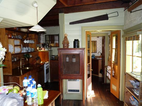 Corinda's Cottages: INSIDE COTTAGE