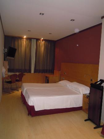 Hotel Reding Croma: l'enorme stanza