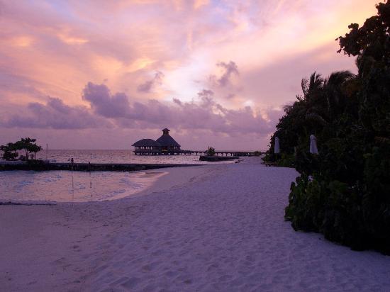 Huvafen Fushi: Sunset