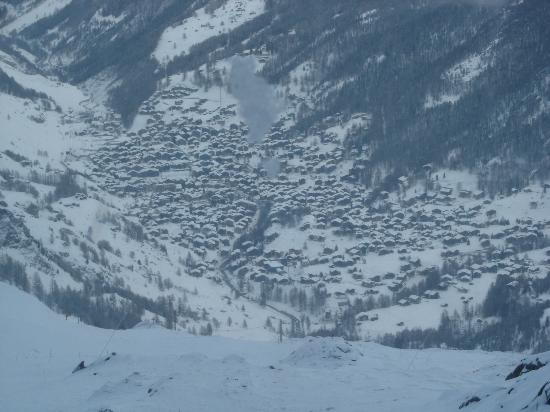 Hotel Pollux : Village as seen from Glacier express lift