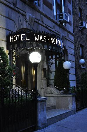 Washington Square Hotel: The hotel