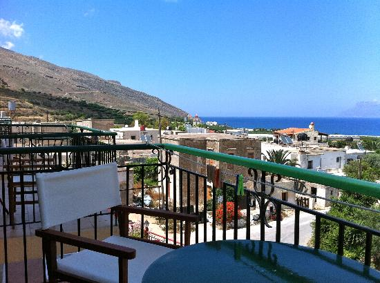 Kaliviani Traditional Hotel: View from the balcony