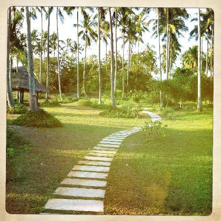 Shantaa Koh Kood: the path to the restaurant