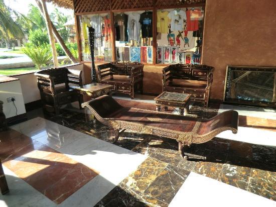 Utalii Beach Resort & Spa : empfang