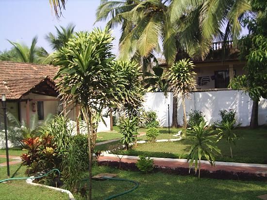 Colonia Santa Maria (CSM): Gardens in front of Rooms 147-150 CSM