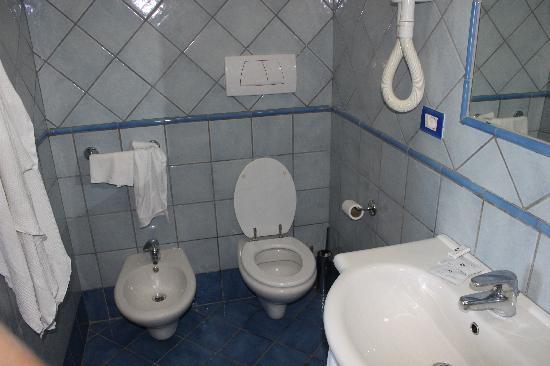 Panorama Palace Hotel: La salle de bain