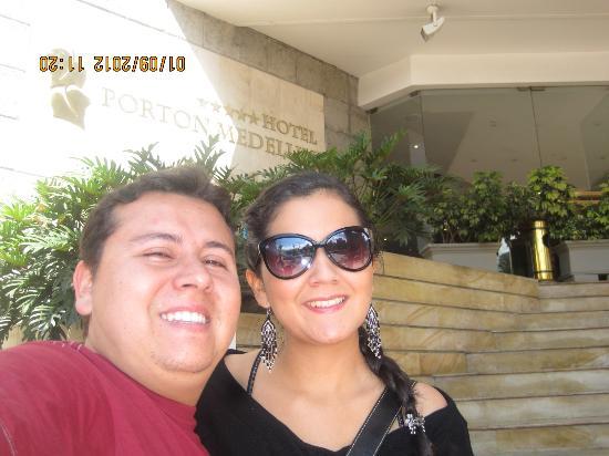 Hotel Porton Medellin: Entrando al Hotel