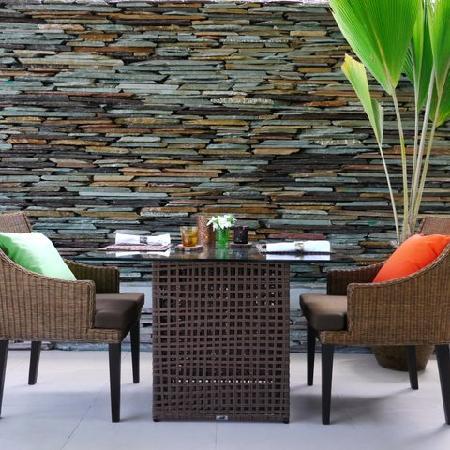 Dhevatara Beach Hotel: Restaurant