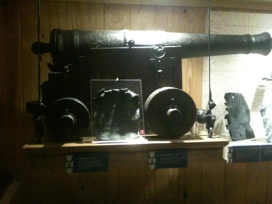 North Carolina Maritime Museum: 6 pounder cannon