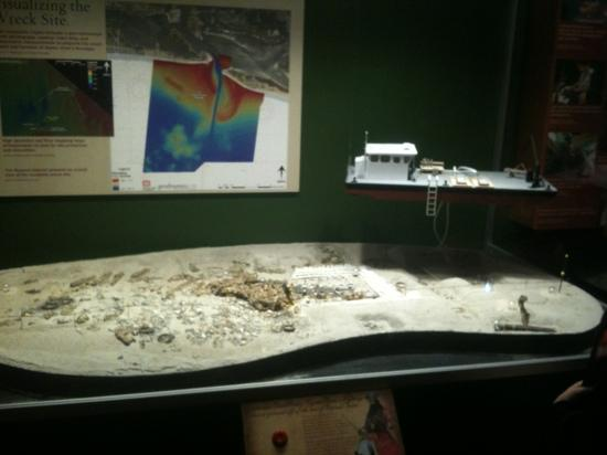 North Carolina Maritime Museum: Visualize wreck site