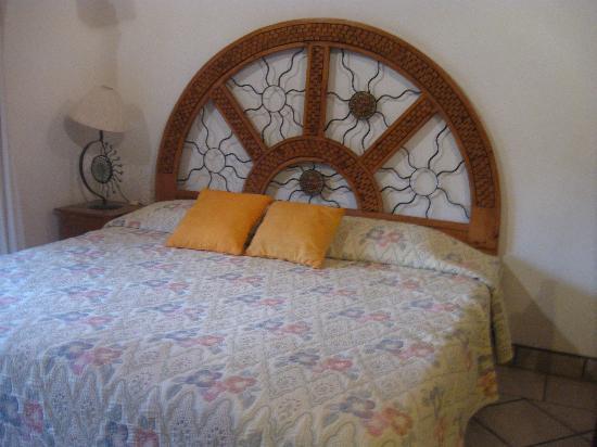 Bungalow's Jaqueline: Our Comfy Bed